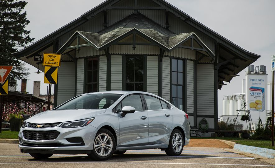 Want 40 MPG or More? These Nonhybrids Aced Our Fuel-Economy Test - Slide 14