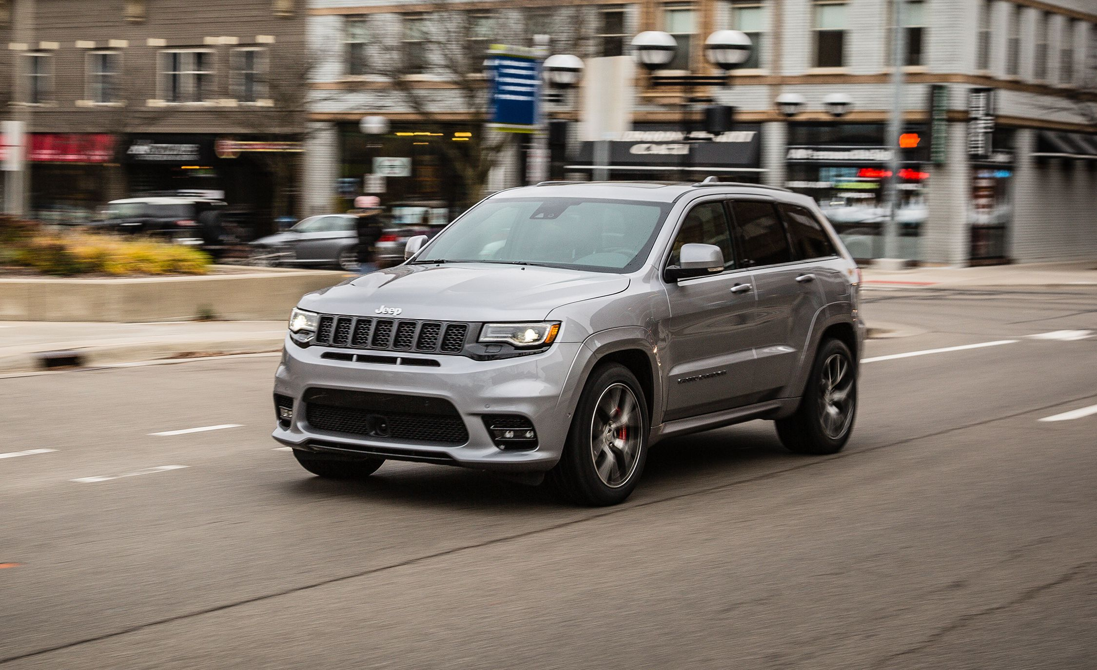 Jeep Grand Cherokee SRT Reviews | Jeep Grand Cherokee SRT Price, Photos,  and Specs | Car and Driver