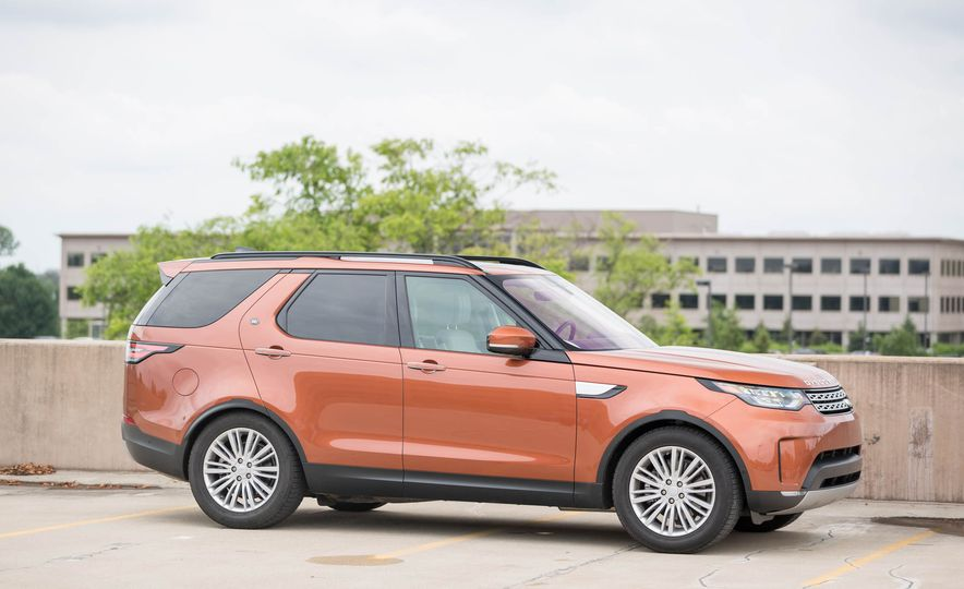 2017 Land Rover Discovery HSE Td6 - Slide 11