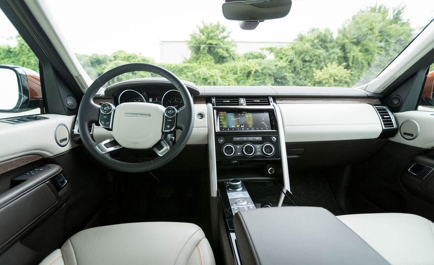 2017 Land Rover Discovery HSE Td6 - Slide 24
