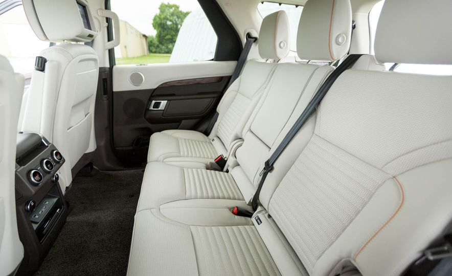 2017 Land Rover Discovery HSE Td6 - Slide 26
