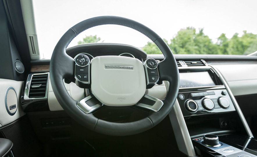 2017 Land Rover Discovery HSE Td6 - Slide 28