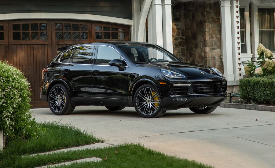 2018 porsche cayenne turbo turbo s review. Black Bedroom Furniture Sets. Home Design Ideas