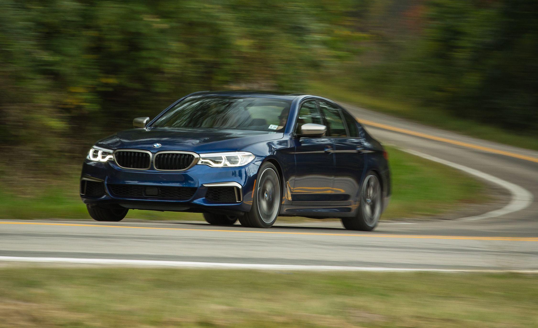 BMW 5 Series: Status information