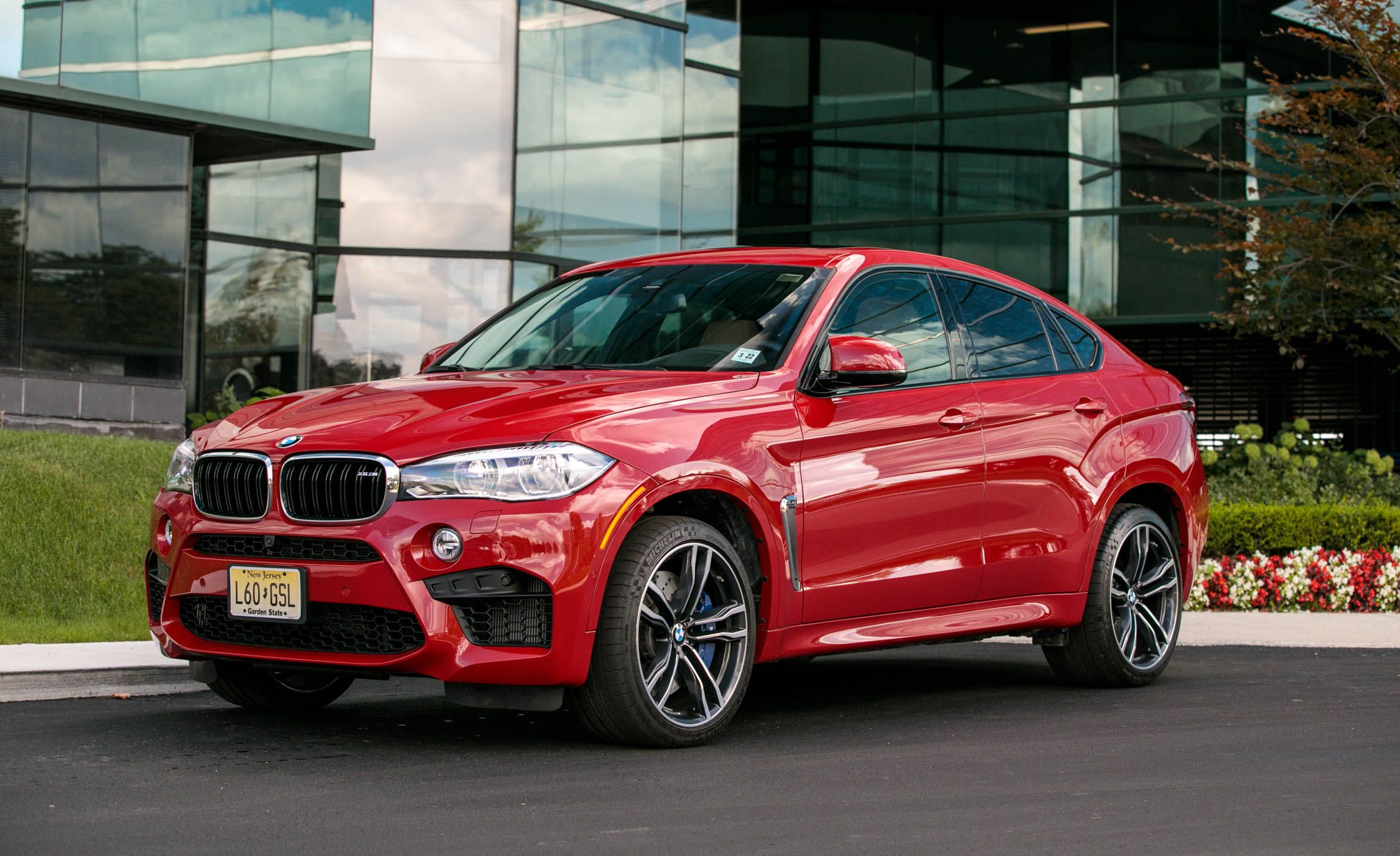 2018 Bmw X6 M Interior And Passenger Space Review Car And Driver