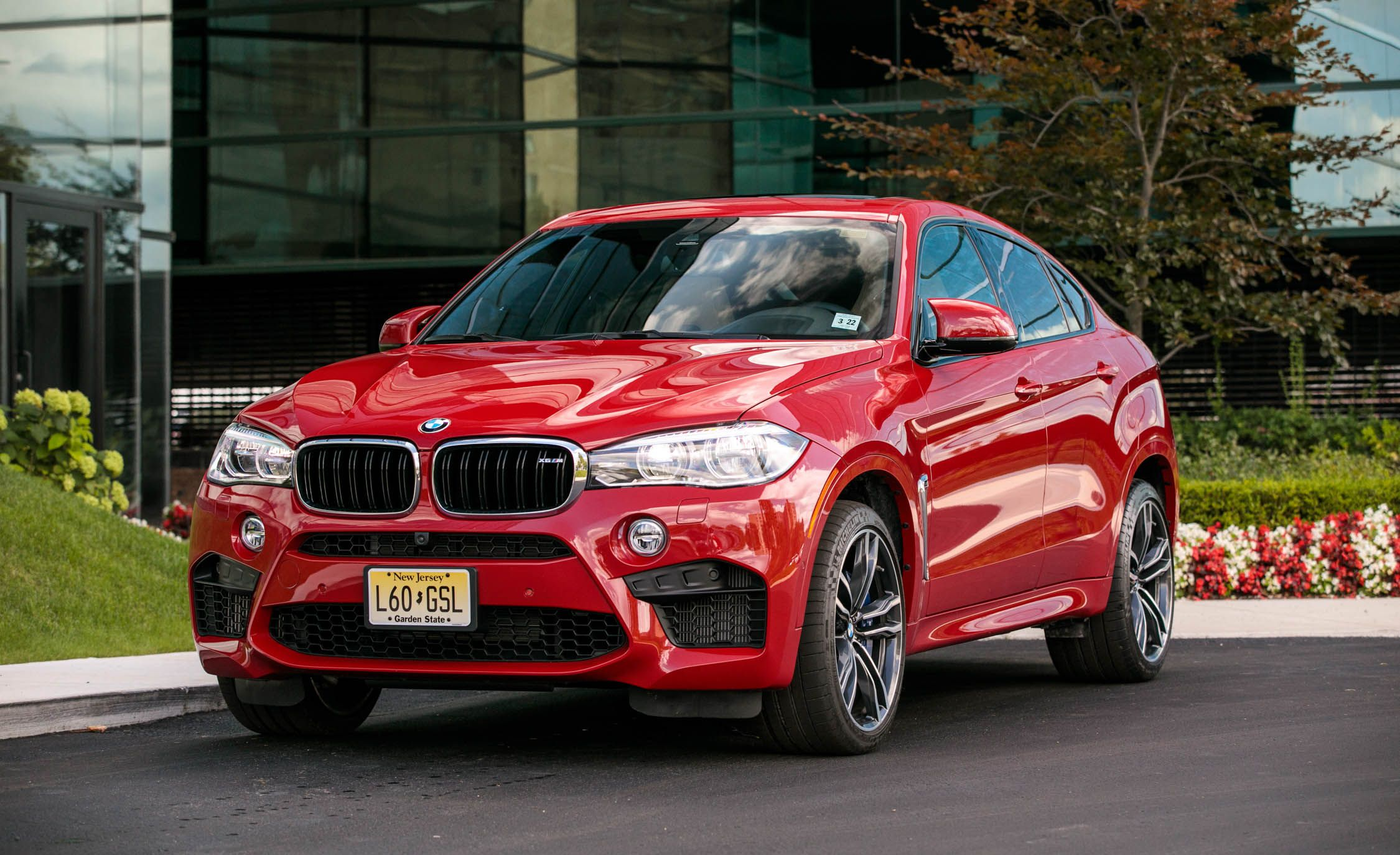 2018 Bmw X6 M Exterior Design And Dimensions Review Car And Driver