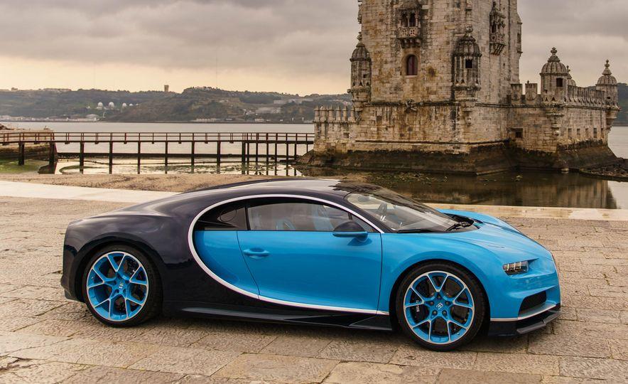 Bugatti Chiron Divo - Slide 14