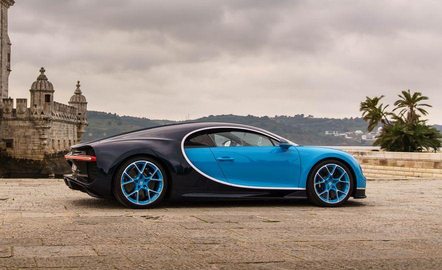 Bugatti Chiron Divo - Slide 15