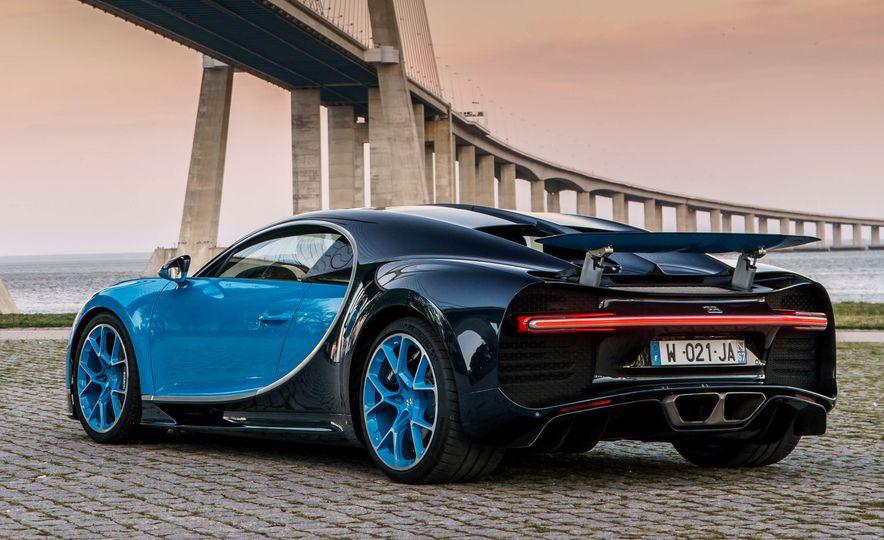 Bugatti Chiron Divo - Slide 22