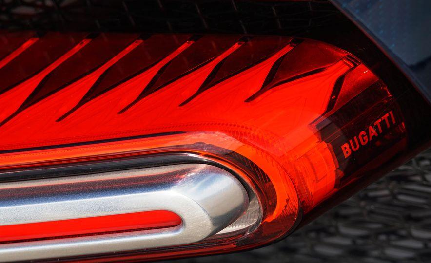 Bugatti Chiron Divo - Slide 30