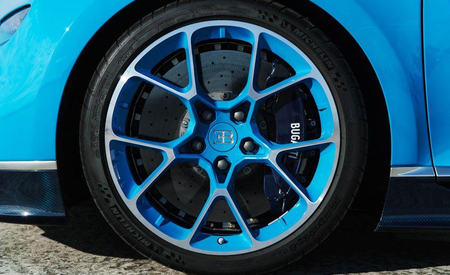 Bugatti Chiron Divo - Slide 41