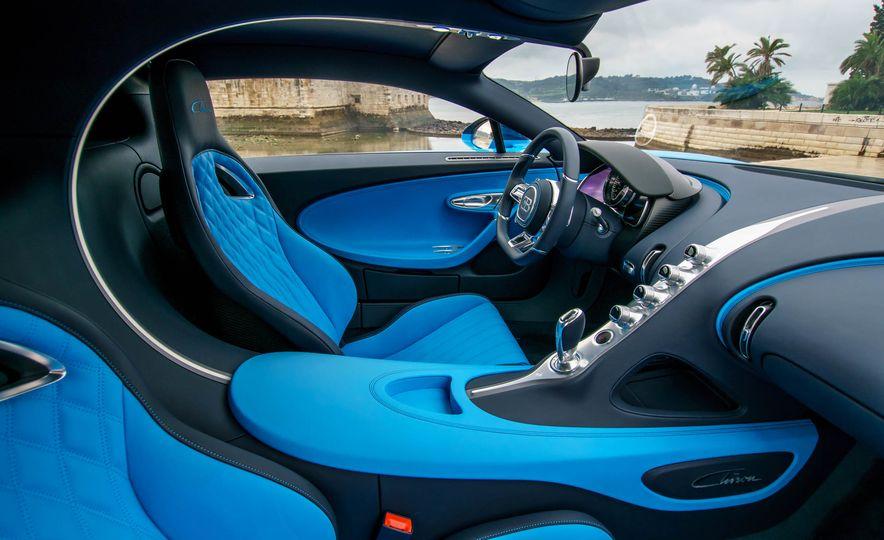 Bugatti Chiron Divo - Slide 43