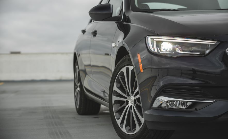 2018 Buick Regal Sportback FWD - Slide 22