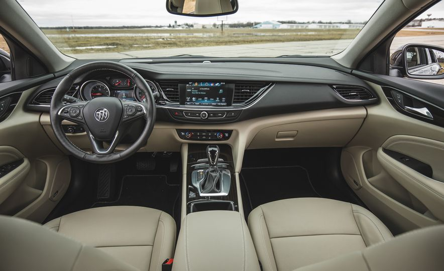 2018 Buick Regal Sportback FWD - Slide 33