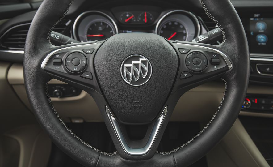 2018 Buick Regal Sportback FWD - Slide 35