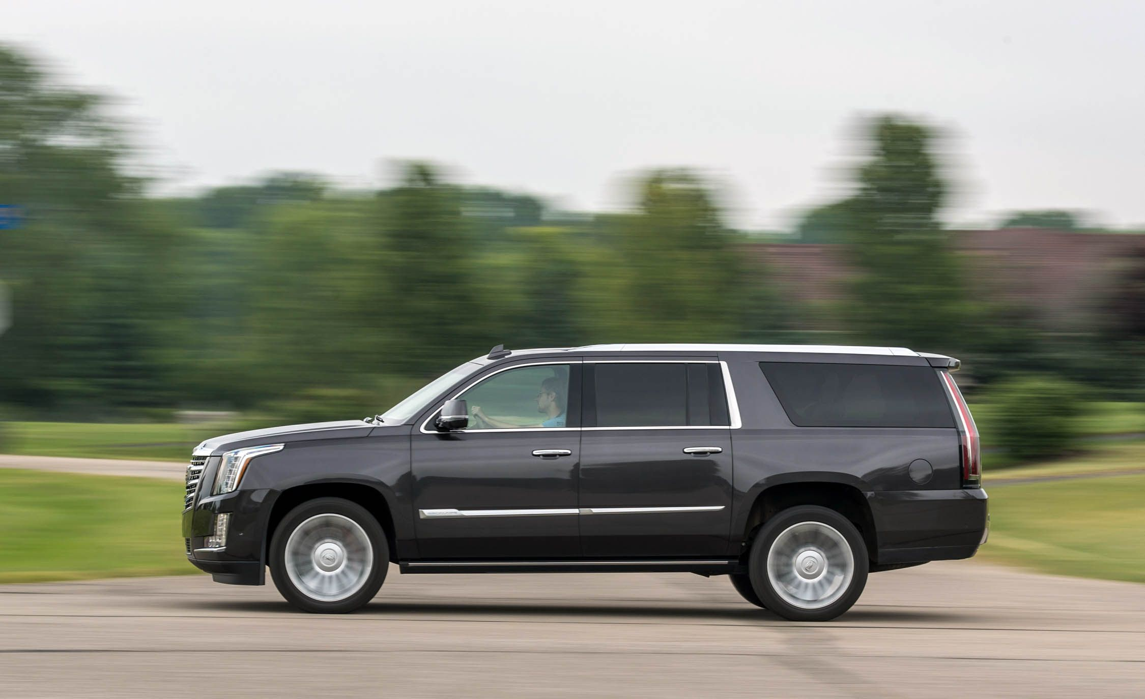 2018 cadillac escalade fuel economy and driving range review car and driver. Black Bedroom Furniture Sets. Home Design Ideas