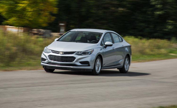 2018 Chevrolet Cruze Diesel Stick-Shift Sedan: Three-Pedal Thrift