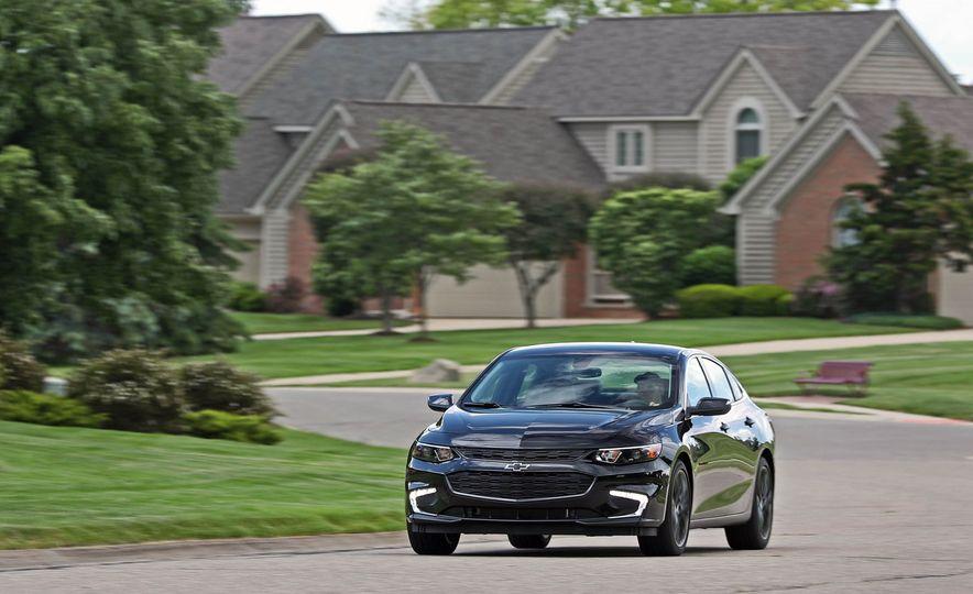 2018 Chevrolet Malibu 1.5T - Slide 2