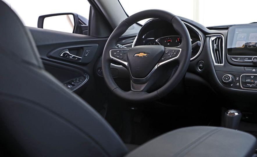 2018 Chevrolet Malibu 1.5T - Slide 35