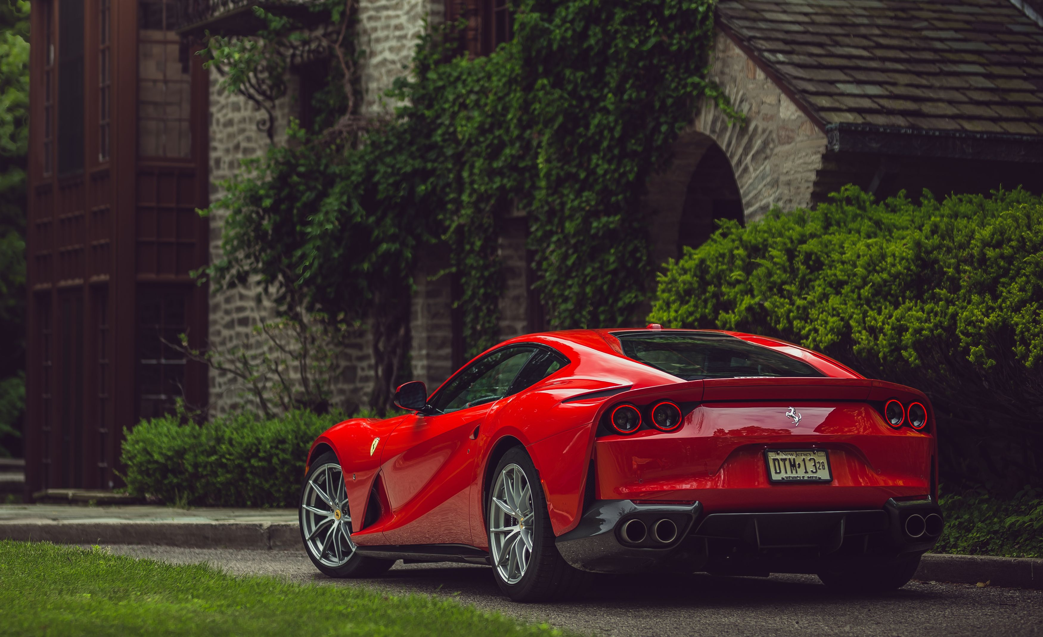 2018 Ferrari 812 Superfast Reviews Price 81 Town Coupe Engine Diagram Photos And Specs Car Driver