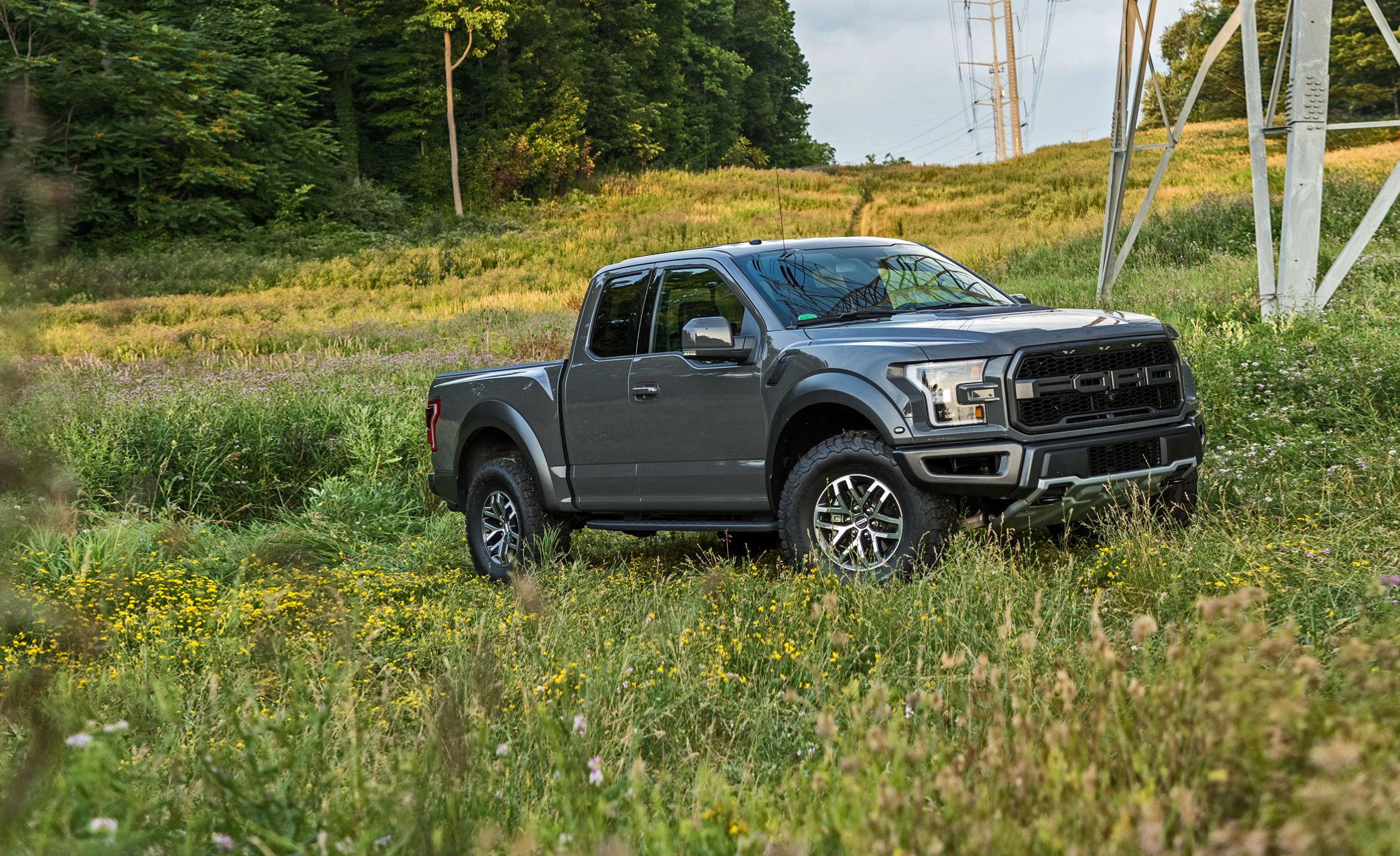 Ford F 150 Raptor Supercab S Shorter Wheelbase Makes It An Even Better Desert Racer