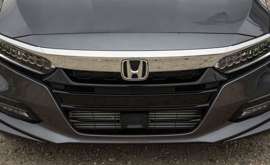 2018 Honda Accord 2.0 Turbo - Slide 7