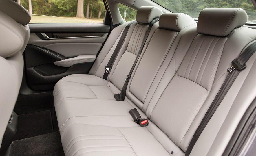 2018 Honda Accord 2.0 Turbo - Slide 21