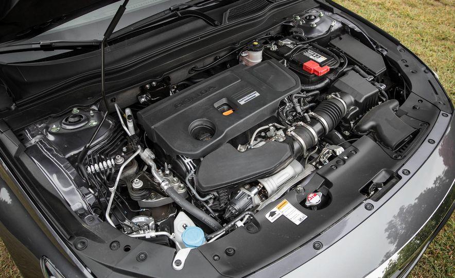 2018 Honda Accord 2.0 Turbo - Slide 23