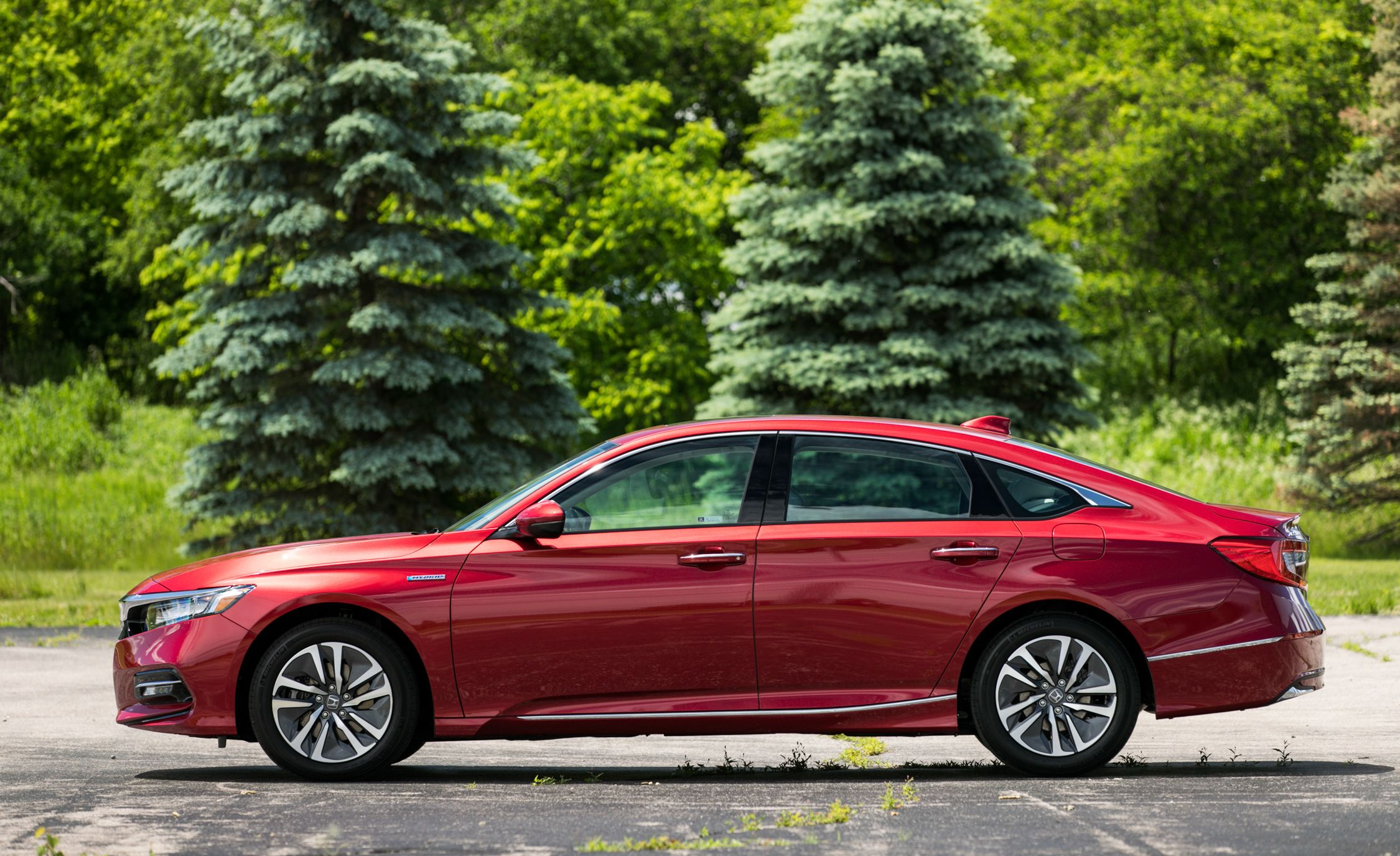 2018 Honda Accord Hybrid Fuel Efficient With A Few Compromises 1990 Engine Performance Problem 4