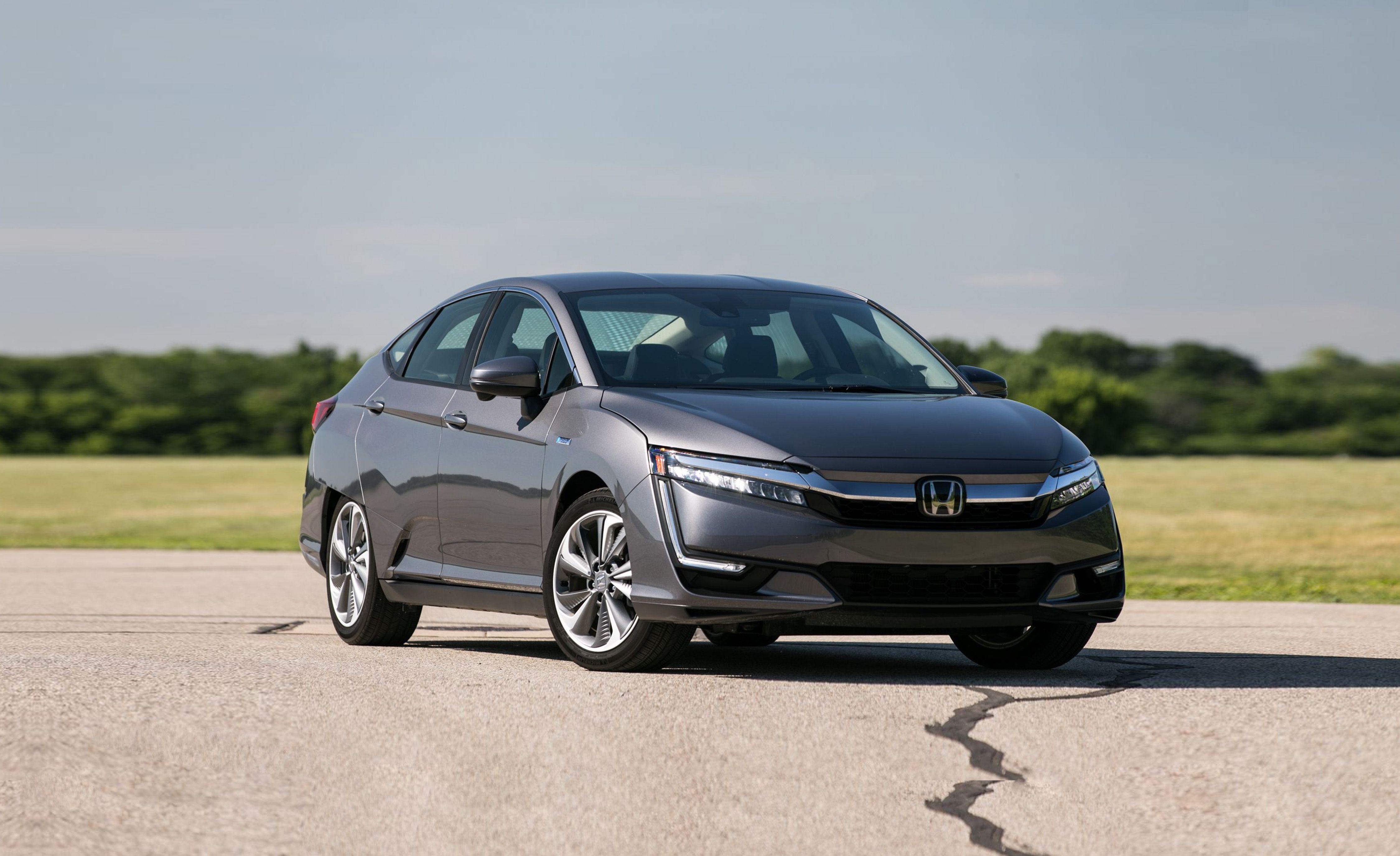 2019 Honda Clarity Reviews Price Photos And Specs Car Driver