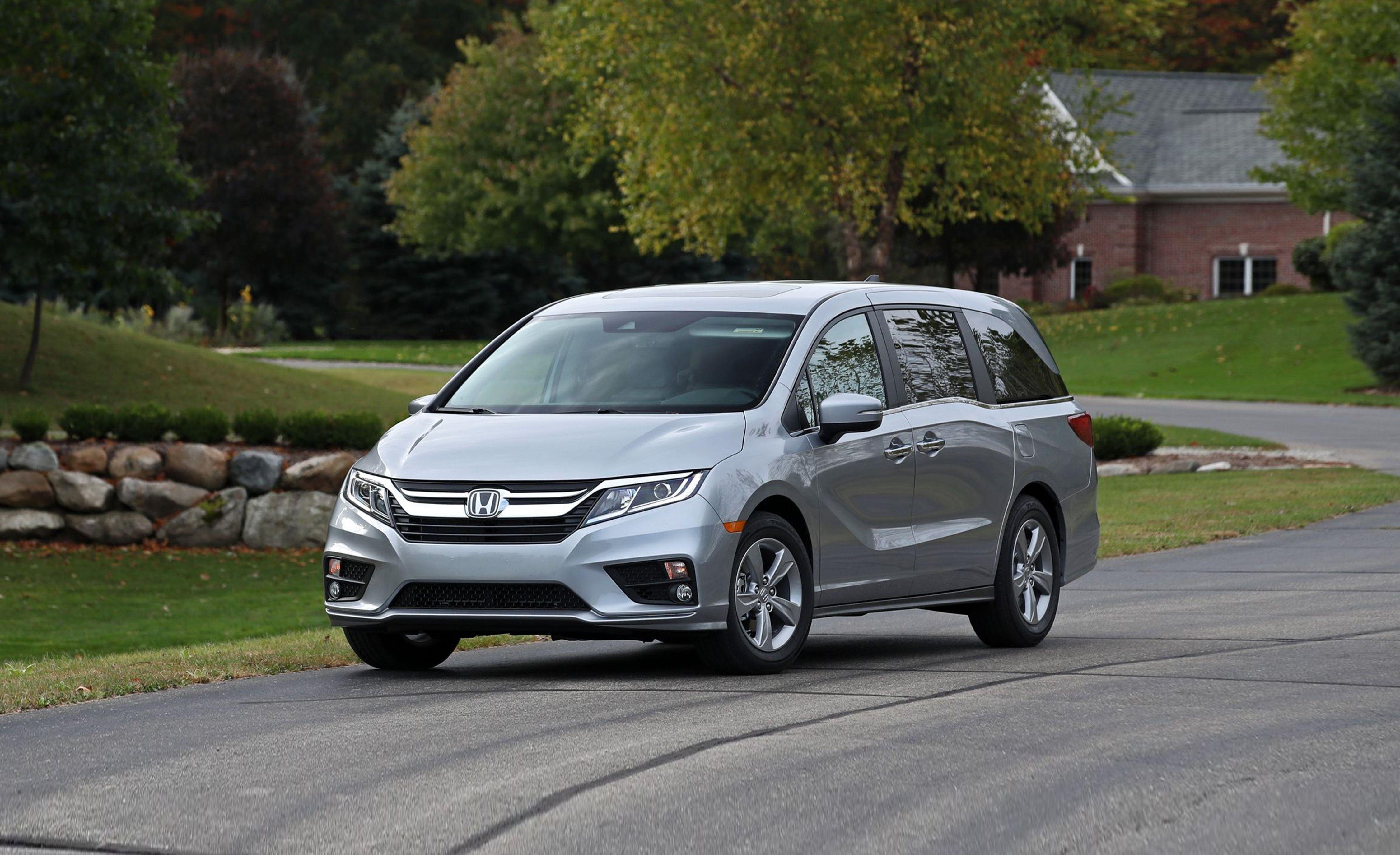 2019 Honda Odyssey Reviews   Honda Odyssey Price, Photos, and Specs   Car  and Driver