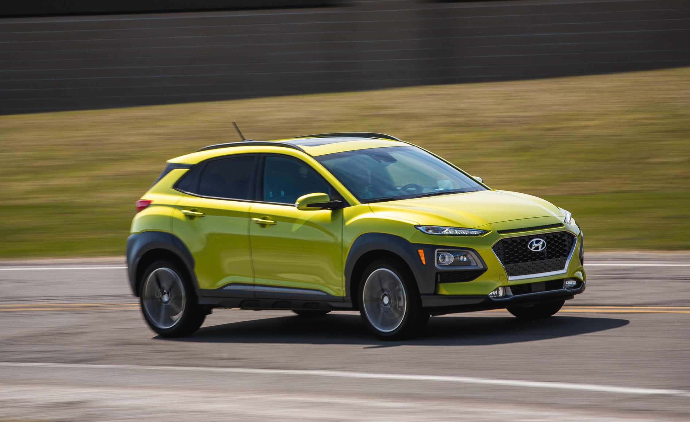 2019 Hyundai Kona Reviews Price Photos And Specs Car Driver