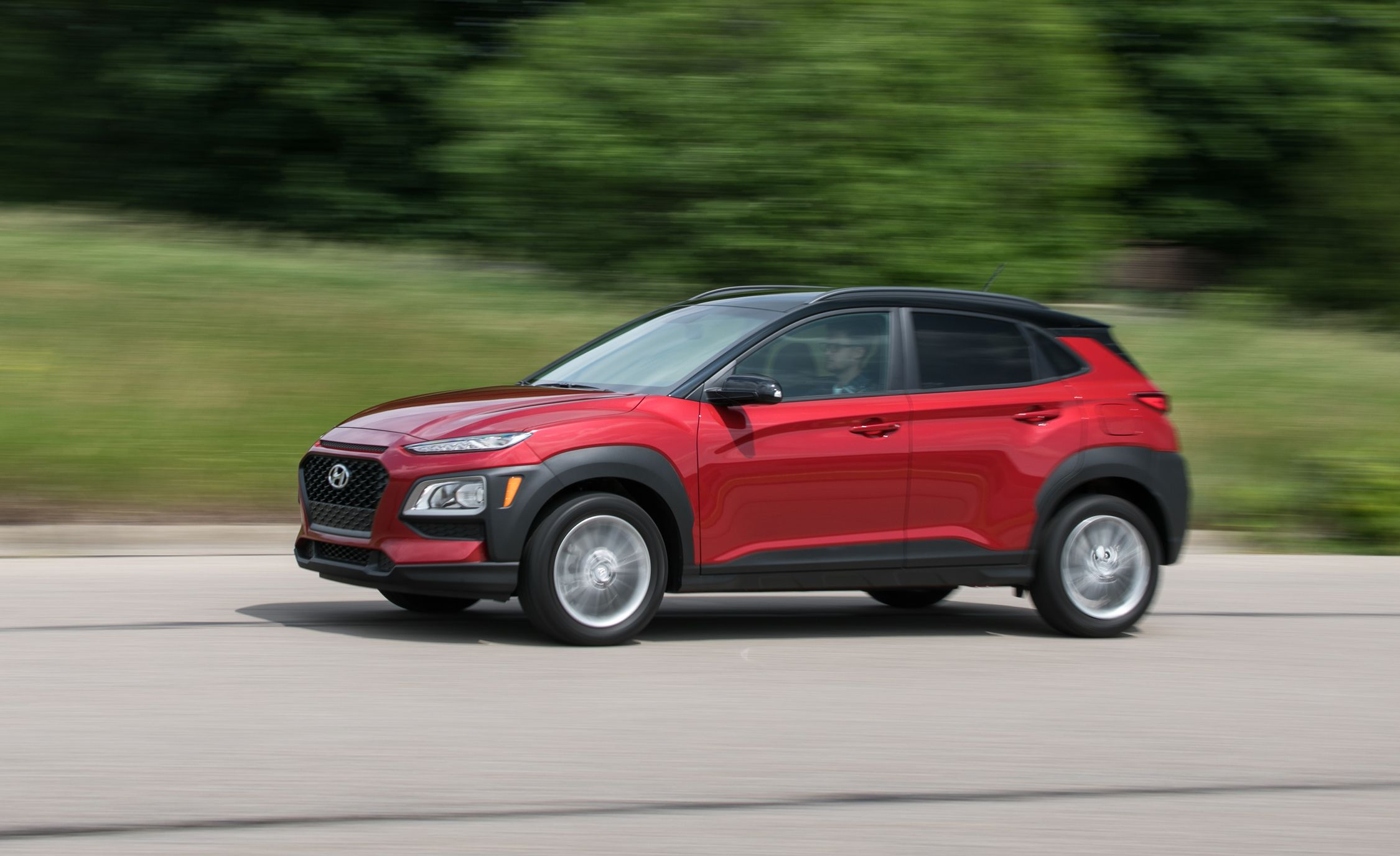 hyundai kona  2019 Hyundai Kona Reviews | Hyundai Kona Price, Photos, and Specs ...