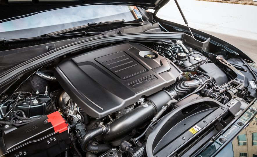 2018 Jaguar F-Pace 30t and 2018 Land Rover Range Rover Velar P250 - Slide 14