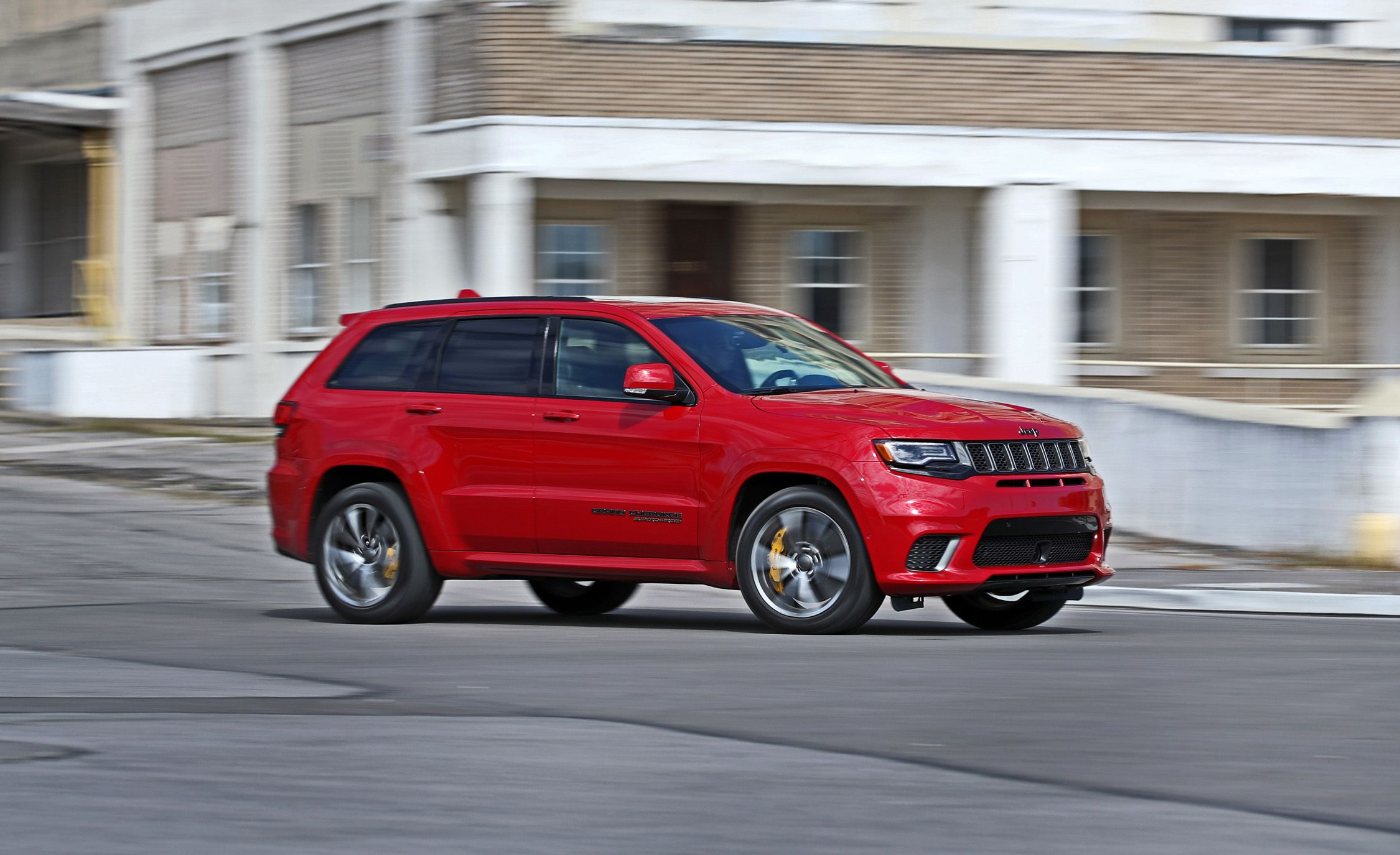 jeep grand cherokee trackhawk reviews jeep grand cherokee trackhawk price   specs