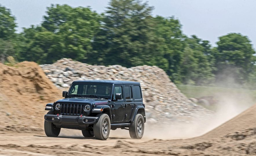 2018 Jeep Wrangler Rubicon Unlimited - Slide 2