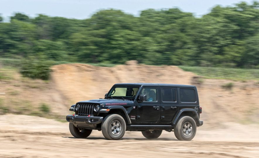 2018 Jeep Wrangler Rubicon Unlimited - Slide 3