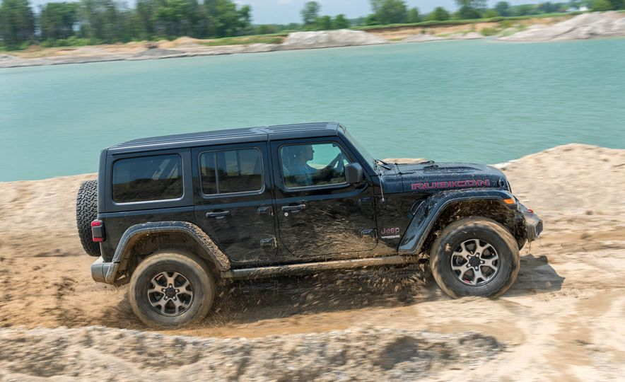2018 Jeep Wrangler Rubicon Unlimited - Slide 11