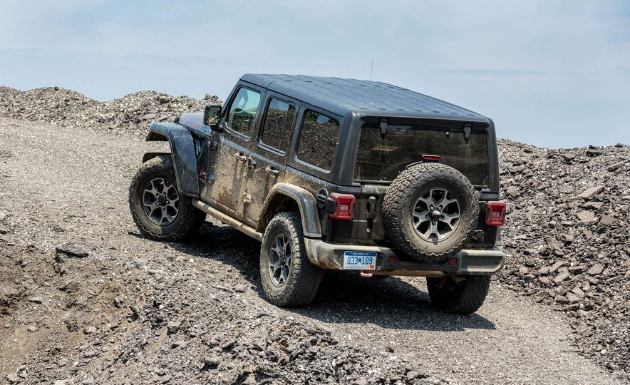 2018 Jeep Wrangler Rubicon Unlimited - Slide 14