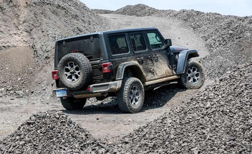 2018 Jeep Wrangler Rubicon Unlimited - Slide 15