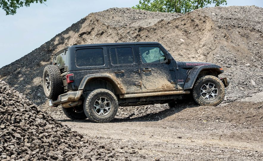 2018 Jeep Wrangler Rubicon Unlimited - Slide 16