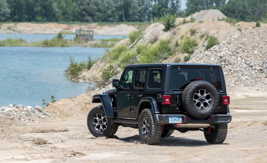 2018 Jeep Wrangler Rubicon Unlimited - Slide 21