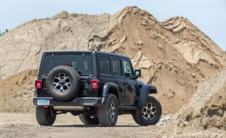 2018 Jeep Wrangler Rubicon Unlimited - Slide 22