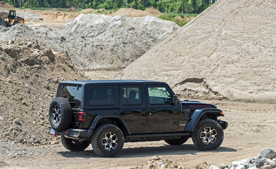 2018 Jeep Wrangler Rubicon Unlimited - Slide 23