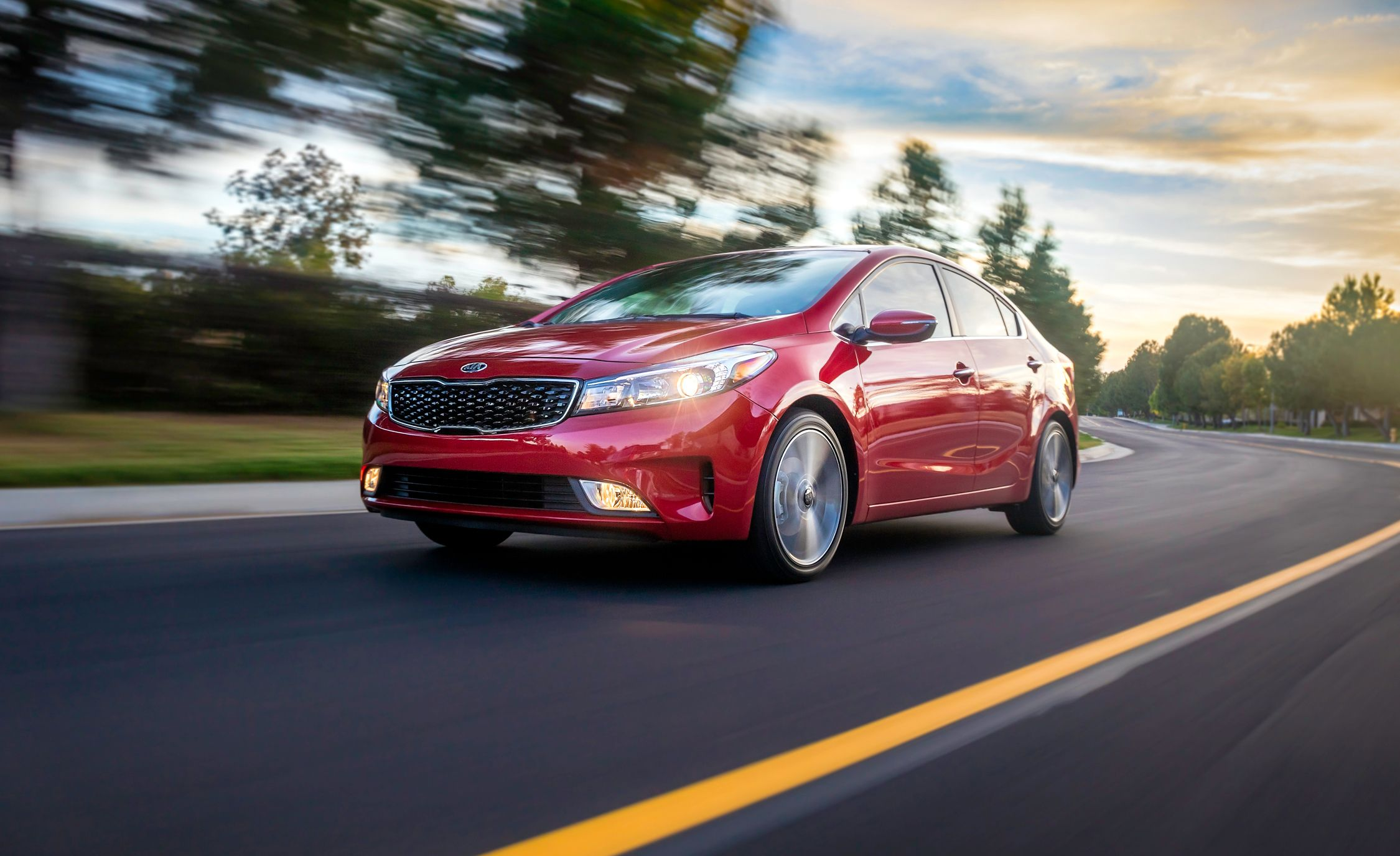 2018 kia forte forte5 in depth model review car and driver. Black Bedroom Furniture Sets. Home Design Ideas