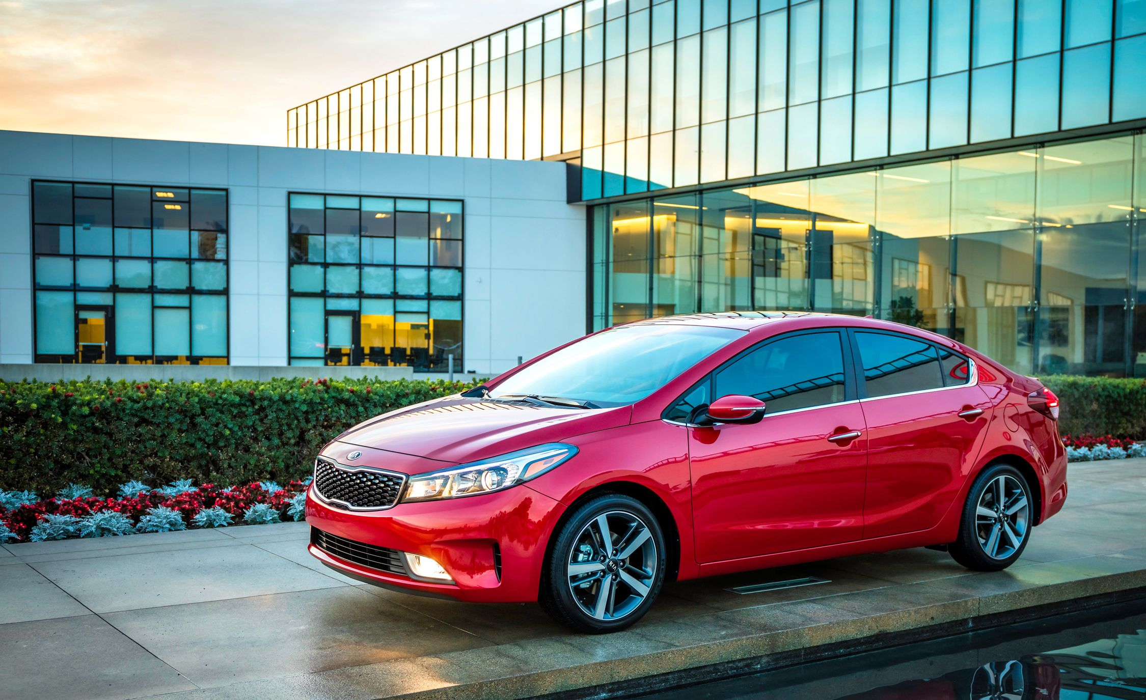 2018 kia forte forte5 exterior design and dimensions review car and driver. Black Bedroom Furniture Sets. Home Design Ideas