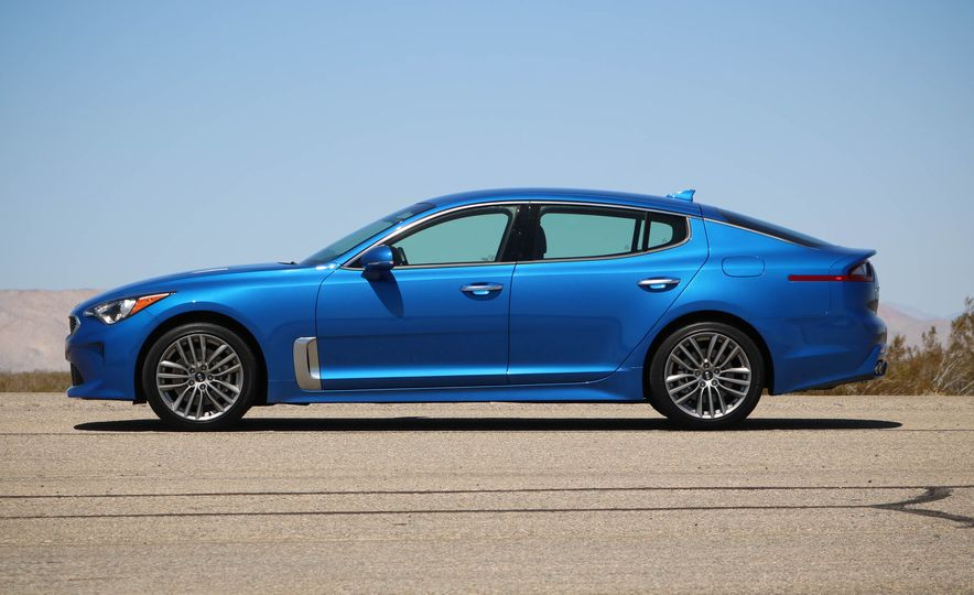 2018 Kia Stinger - Slide 12