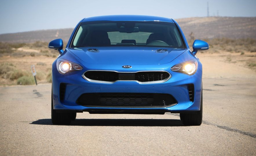 2018 Kia Stinger - Slide 16