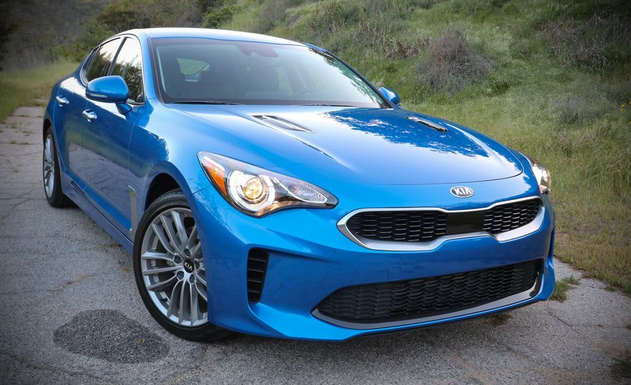 2018 Kia Stinger - Slide 22