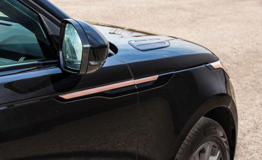 2018 Jaguar F-Pace 30t and 2018 Land Rover Range Rover Velar P250 - Slide 20
